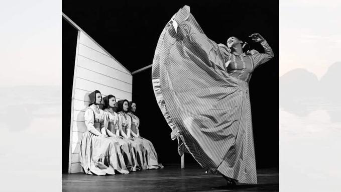 Martha Graham dancing photo