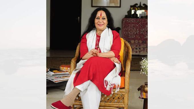 Sonal Mansingh in chair