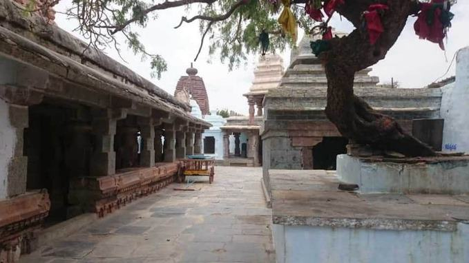 alampur jogulamba temple walk area