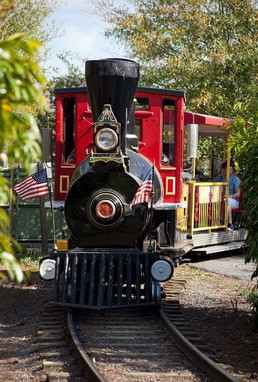 photo of a train at Jacksonville Zoo