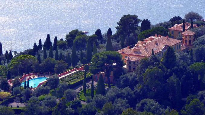 Villa Leopolda building
