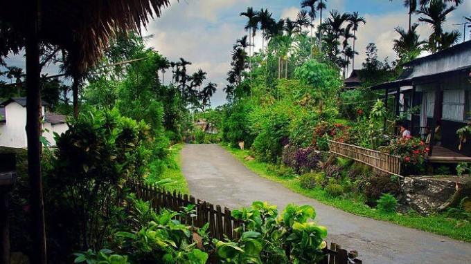 Mowlynnong Village